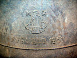 Inschrift einer Glocke von 1951